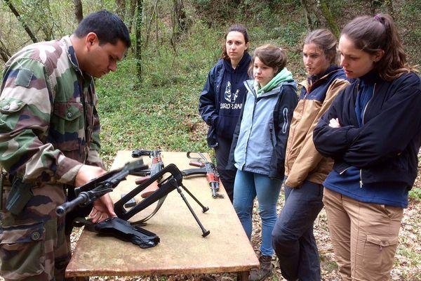 Les étudiants en photojournalisme de Carcassonne sont en stage avec les militaires pour apprendre à travailler en zone de conflit - 27 mars 2017