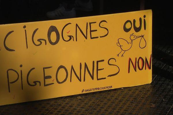 A Grenoble, les sages-femmes manifestent devant le CHU - 7 octobre 2021