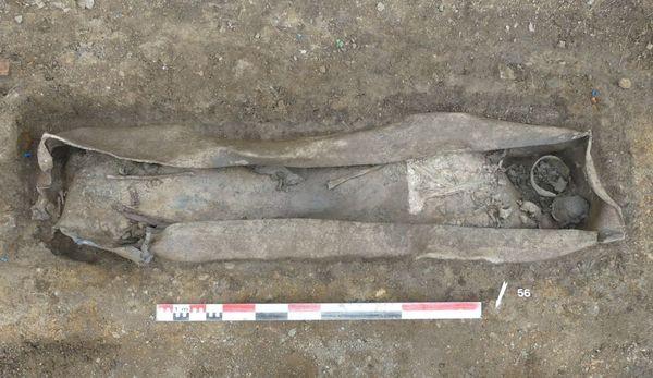 A Autun, les archéologues ont mis au jour une grande diversité de sépultures datant du 4e siècle, et notamment des cercueils de plomb, rares dans la moitié nord de la France.