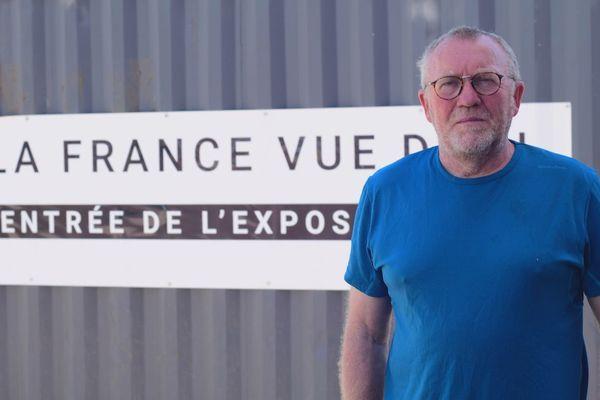 Gilles favier, le directeur du festival ImageSingulières, souhaite mettre en avant une photographie humaniste