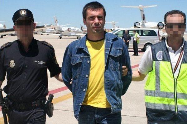 Photographie de la police espagnole prise lors de l'arrivée de Susper en France le 22 juin 2010.