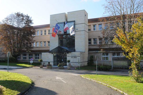 Vue façade du Conseil Départemental du Gers