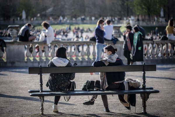 Le taux d'incidence auprès des jeunes a fortement augmenté en Ile-de-France.