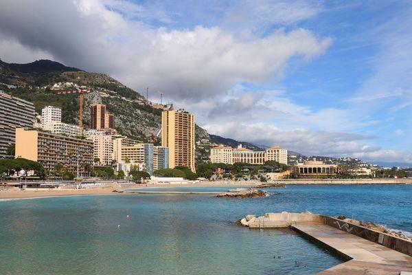 La baignade est interdite jusqu'à nouvel ordre, sur les plagesdu Larvotto et le Solarium de la Digue (Photo d'archives)