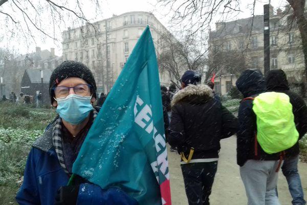 Damien tient à ce qu'il reste possible de filmer dans les manifestations.