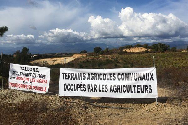 04/09/17 - A Tallone (Haute-Corse), mobilisation contre l'ouverture d'un nouveau site d'enfouissement de l'association Salvemu l'Arena