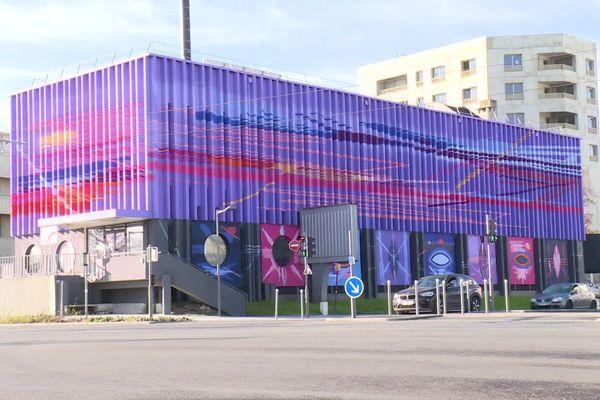 A Villenave-d'Ornon, la fresque de 600m2 signée Stéphane Carricondo, a été réalisée en concertation avec les élus.