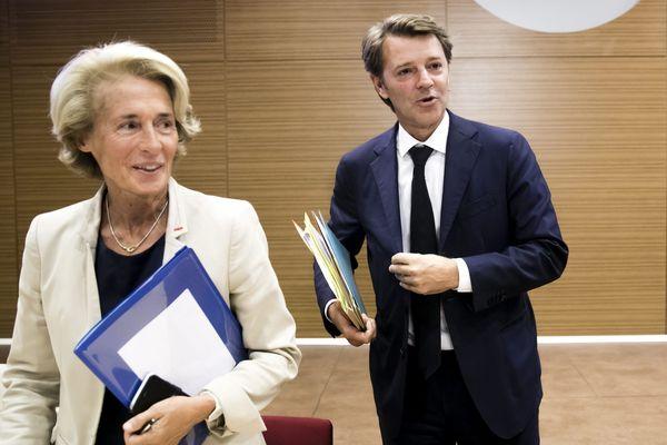 Caroline Cayeux en compagnie du maire de Troyes et président de l'Association des maires de France François Baroin, le 6 septembre 2017 lors de la conférence de presse du Bloc communal.