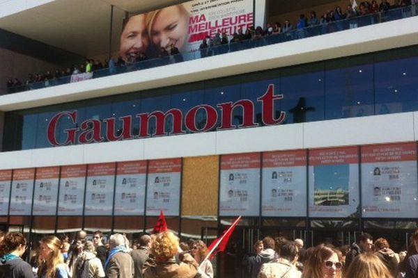 300 Manifestants occupent les cinés Gaumont à Rennes