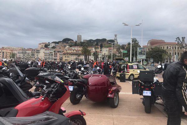 La Fédération des motards en colère a proposé des caches plaques d'immatriculation prêts à être imprimés à ses manifestants.