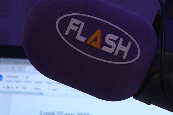 Dans quelques semaines, Flash FM, première radio limougeaude, pourra être écoutée sur le 97.7 FM à Guéret et alentours, en Creuse, et sur le 98.4FM dans le secteur de Saint-Junien en Haute-Vienne.