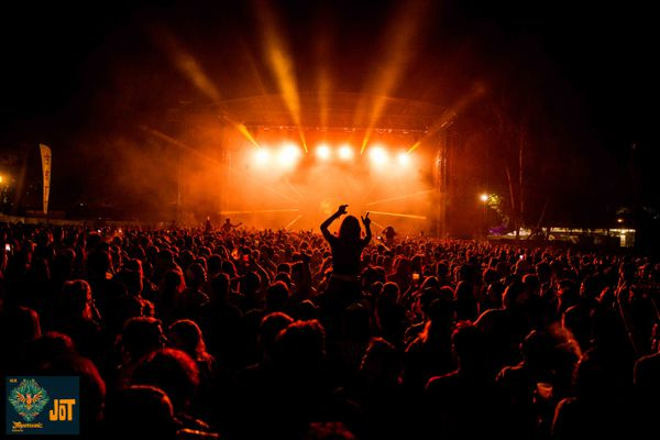 Les meilleures années, près de 35 000 spectateurs participaient au Free Music Festival de Montendre.