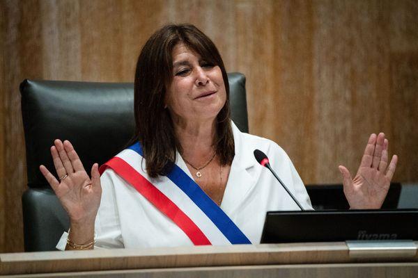 Michèle Rubirola avec son écharpe tricolore lors de sa prise de fonction.