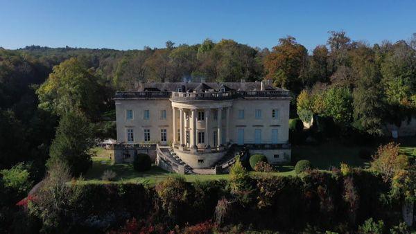 Le cadre est plus agréable, et surtout moins agité, autour de la Maison Blanche de Dordogne