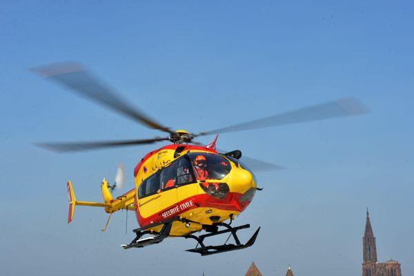 Accident grave sur la RD221 : un motard transporté aux urgence dans un état grave.