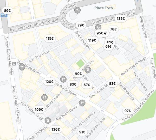Une vingtaine d'hébergements sont disponibles, ce soir, dans les quelques pâtés de maison de la vieille ville d'Ajaccio, sur la plateforme la plus consultée.