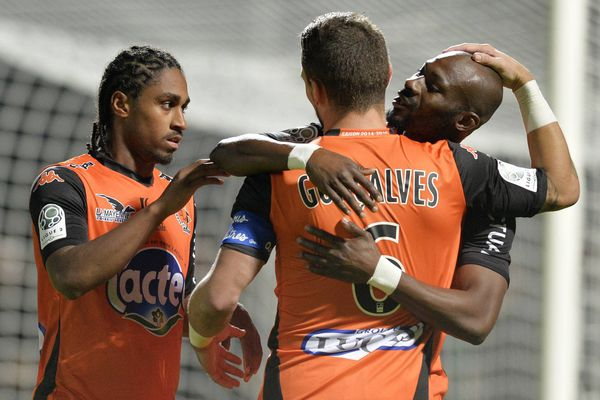 La joie des lavallois lors de la rencontre le Stade Lavallois et le Tours FC