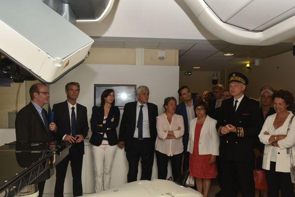 Inauguration de la salle d'hadronthérapie au Centre européen de traitement et de recherche en hadronthérapie de Caen-Normandie