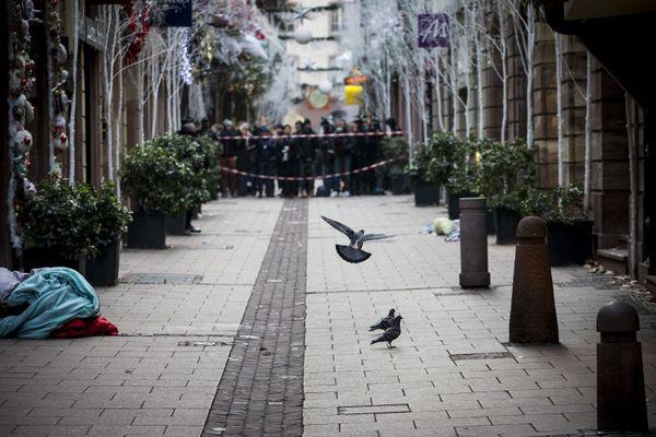 """Le 11 décembre 2018, Elyxandro Cegarra s'est rendu avec son appareil dans le centre-ville dès qu'il a appris pour l'attaque. """" Tous les kiosques du marché de Noël avaient fermés. Il n'y avait plus personne dans les rues. Silence total."""""""