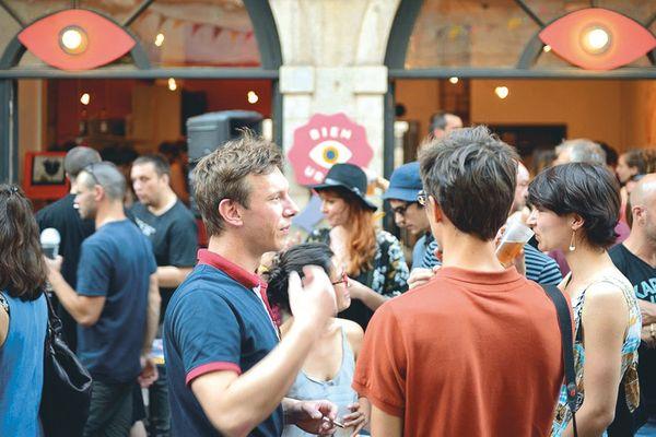 Chez Urbain au 3 rue Battant le QG du festival où se déroulent rencontres et ateliers