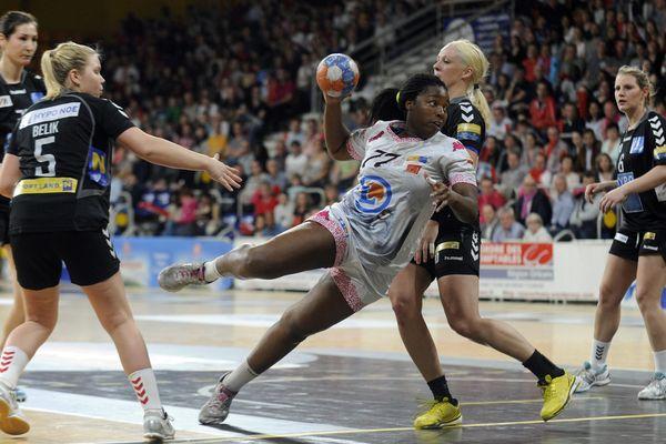 Le Fleury Loiret Handball lors de la demi-finale retour de la coupe d'Europe des vainqueurs de coupe, le 12 avril 2015, face au Hypo Niederosterreich.