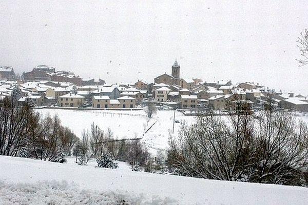 Les Angles (Pyrénées-Orientales) - 20 cm de neige fin avril - 27 avril 2013.