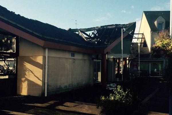 La salle des fêtes de la commune d'Hermanville-sur-Mer a été totalement ravagée par les flammes.