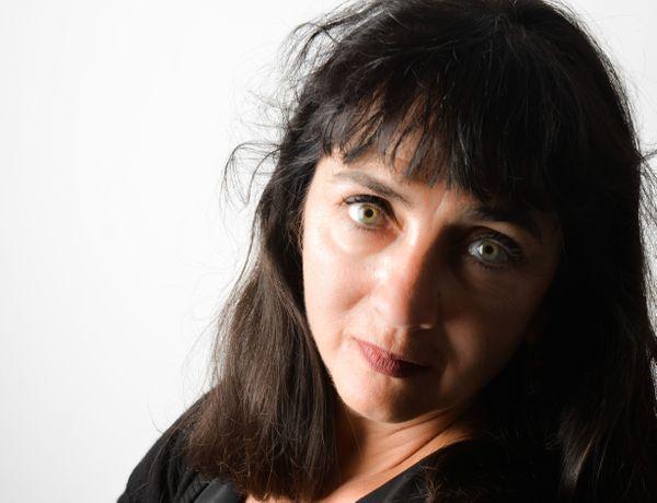 Chantal Molinès coordonne les actions des pouvoirs publics, des association, des forces de l'ordre et de la justice pour la protection des femmes.