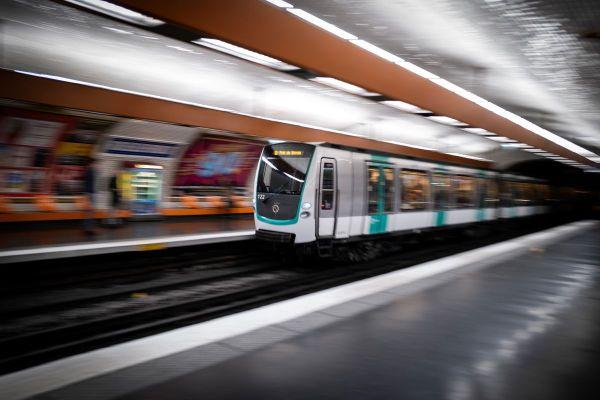 Les transports en commun sont désormais gratuits pour les jeunes parisiens.