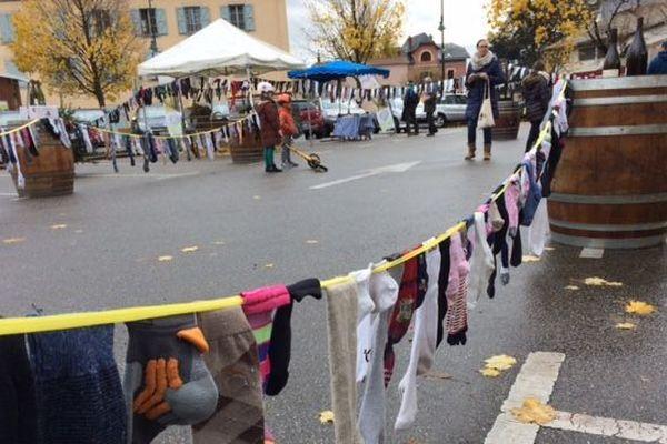 A Condrieu, on se mobilise pour le Téléthon à grand renfort de chaussettes orphelines