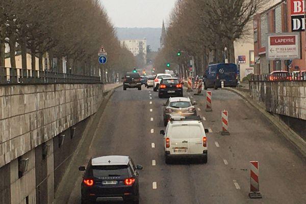 Circulation routière sur le Mont Riboudet à Rouen