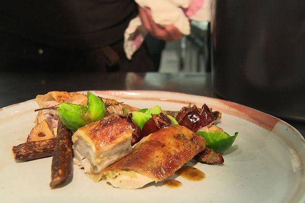 La poulette de Bresse rôtie à la façon de Jean-Michel Carrette, chef étoilé de Tournus
