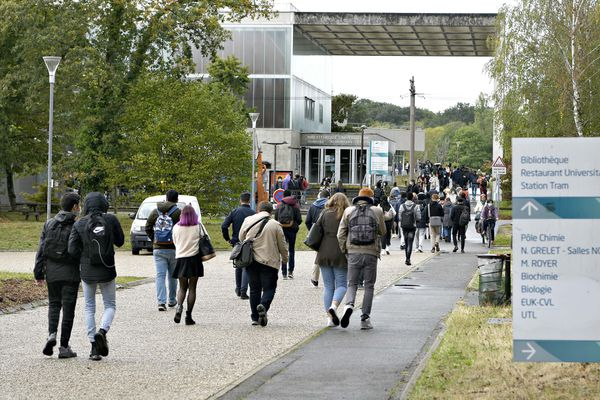L'université d'Orléans va devoir réduire de 50% l'occupation de ses amphithéâtres.