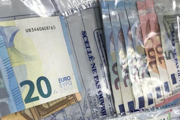 22.04.2020. Vol dans des Ehpad des Bouches-du-Rhône, plus de 20.000 euros en espèces retirés à l'aide de cartes bancaires.