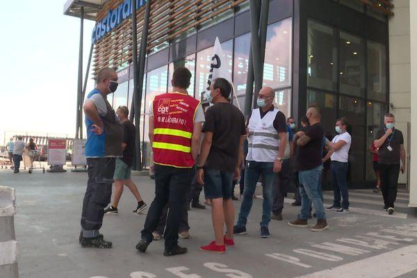 Les négociations doivent reprendre le mardi 21 juillet au magasin Castorama d'Antibes (Alpes-Maritimes)