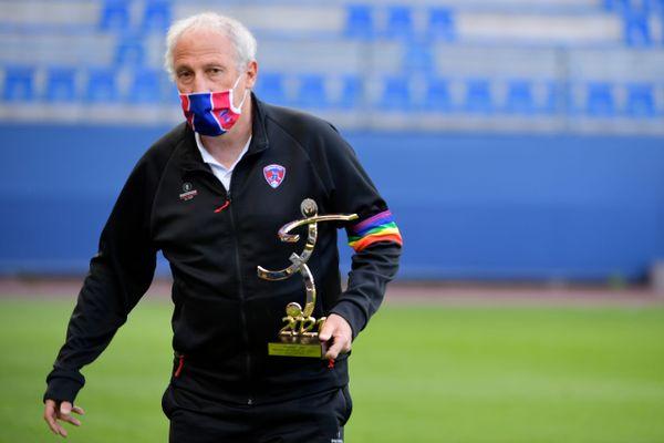 Elu meilleur entraîneur de Ligue 2, Pascal Gastien, le coach du Clermont Foot 63, pense déjà à renforcer son équipe pour la Ligue 1.