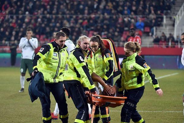 Ligue 1: Saint-Etienne s'impose face à Dijon mais perd Silva