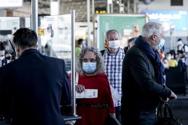 Des passagers à l'aéroport de Bruxelles-Zaventem le 15 juin dernier.