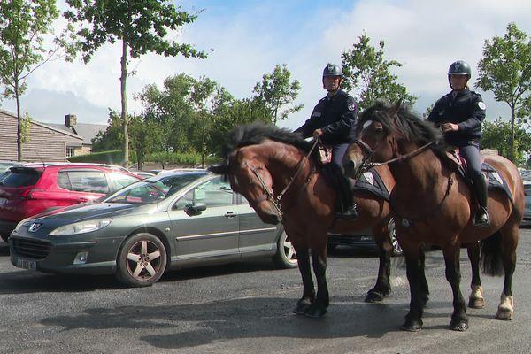 Les deux Cob normand de la police de la Manche