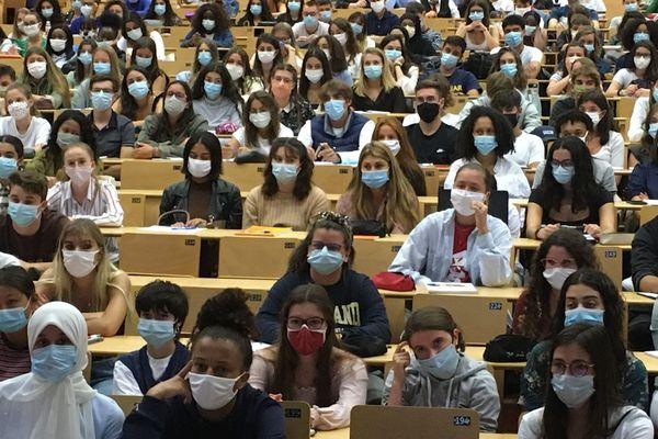 ILLUSTRATION/ Dans les amphithéâtres de toutes les universités de France, la prudence est de rigueur