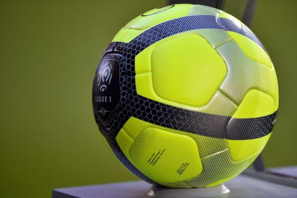 La LFP a dévoilé cet après-midi le calendrier de la ligue 1 de la saison prochaine. Les supporters trépignaient depuis plusieurs jours. Quand Montpellier et Nîmes allaient-ils se rencontrer ? La réponse ....