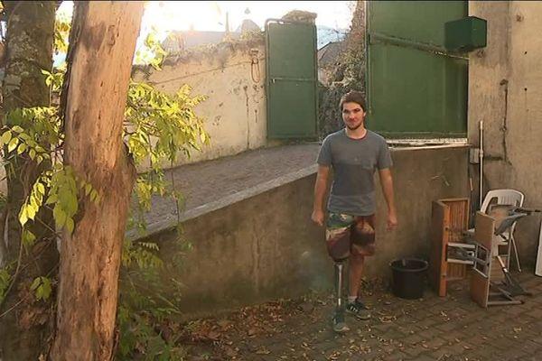 Thomas Veyret victime d'un accident de trampoline a du être amputé de la jambe droite en février 2017.