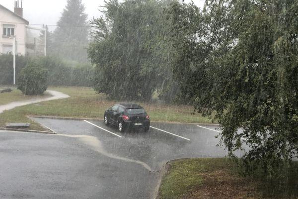 Un violent orage a éclaté en fin d'après-midi sur Grenoble