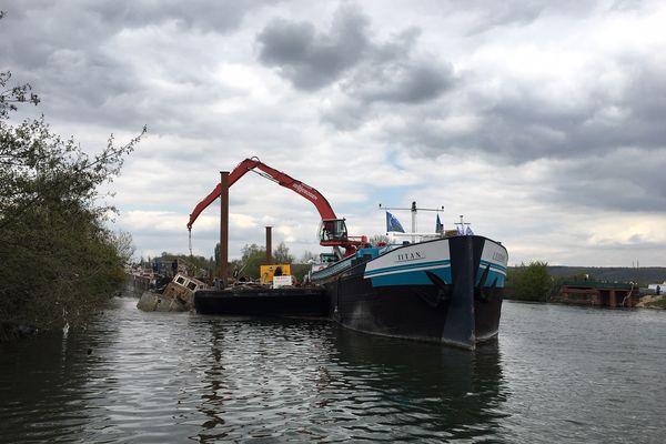 L'ancien port de plaisance de Notre-Dame-de-l'Isle en chantier