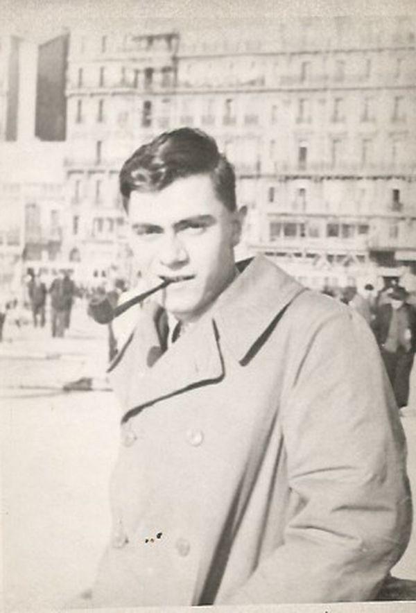 Robert Maestracci est né en 1925 à Marseille. Dès l'armistice de juin 1940, il va multiplier les actions contre l'occupant allemand dans la capitale phocéenne.