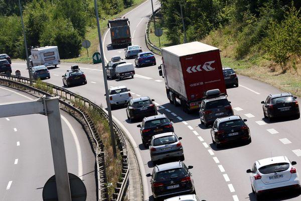 En réponse à l'alerte à la pollution, les préfectures du Grand Est ont décidé d'une réduction de 20km/h sur les autoroutes et chaussées à voies séparées samedi 4 août.