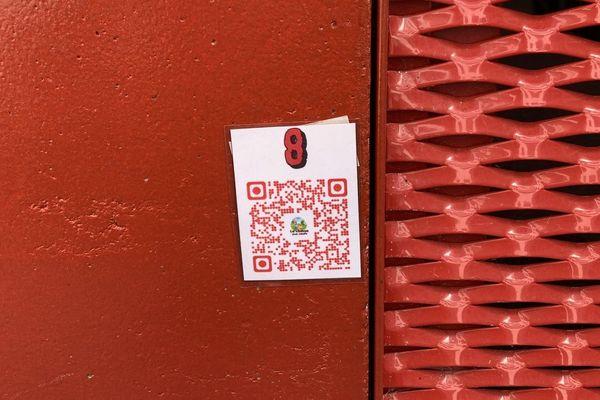 Des QR codes représentent les oeufs virtuels, et donnent des indications sur l'emplacement de l'indice suivant.