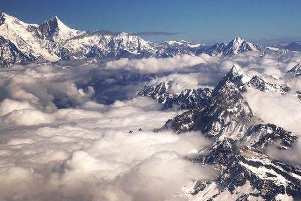 Shisha Pangma (8.027 mètres)