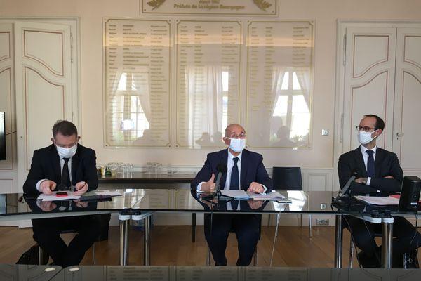 Le préfet de Bourgogne Franche-Comté, le directeur général de l'ARS et le recteur de Besançon, vendredi 30 octobre 2020