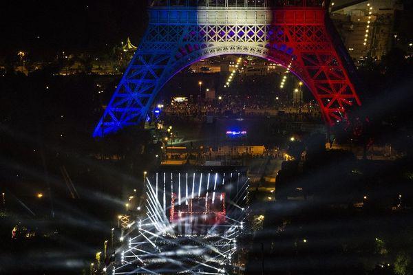 80 000 personnes au concert d'ouverture de l'Euro 2016 sur le Champ de Mars